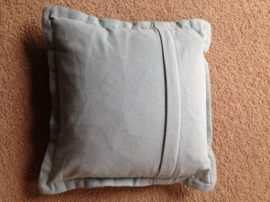 back of cushion with hidden zip closing